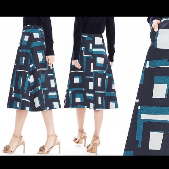 2da946b85 Banana Republic Dresses & Skirts - Banana Republic Size 8 Graphic Print  Midi Skirt